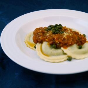 Garden-Veggie-Tomato-Sauce-on-Ravoli